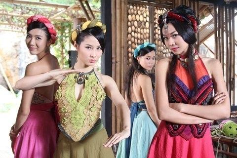 Phim Việt tìm cửa vượt biên