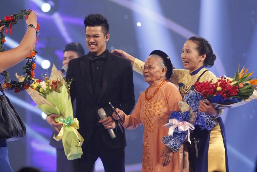 tro ng hie u la quan quan vietnam idol 2015