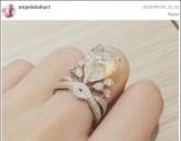 Angelababy khoe nhẫn cưới triệu đô