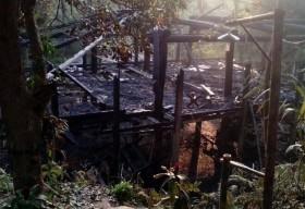 Cận cảnh ngôi nhà Lang cuối cùng của người Mường bị thiêu rụi