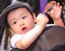Cận cảnh con trai đầu lòng của Hoa hậu Diễm Hương