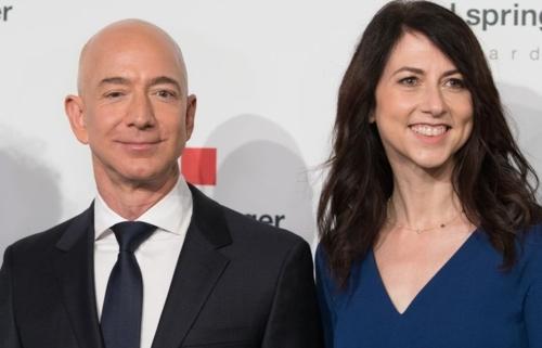 Vụ ly hôn của ông chủ Amazon có thể xử lý 'nhanh như giao hàng'