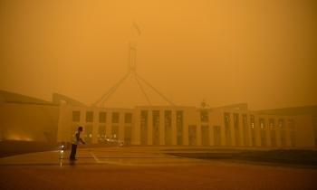 """Cháy rừng """"hun khói"""" người Australia"""