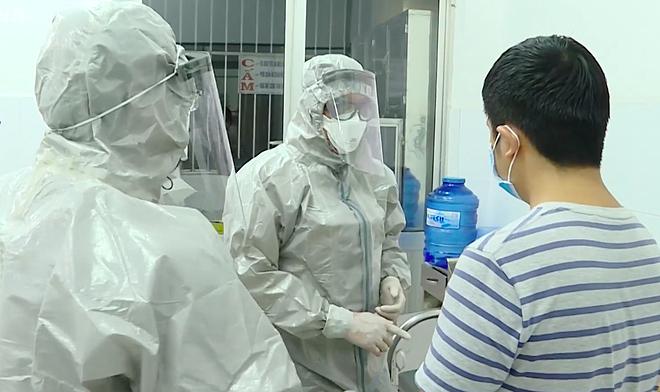 Thủ tướng khen y bác sĩ Chợ Rẫy trị viêm phổi Vũ Hán thành công