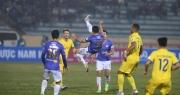 HLV Chu Đình Nghiêm thừa nhận CLB Hà Nội vỡ trận trước CLB Nam Định
