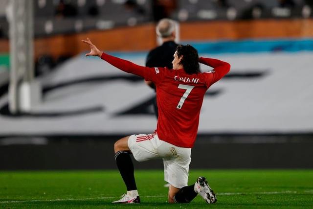 Pogba tiếp tục thăng hoa, Man Utd trở lại ngôi đầu bảng - 4
