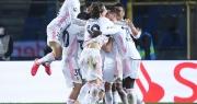 Đối thủ nhận thẻ đỏ sớm, Real Madrid nhọc nhằn đánh bại Atalanta