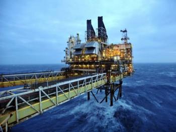 Giá dầu về mức 50 USD/thùng
