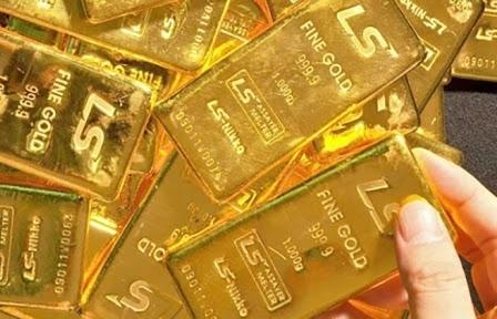Giá vàng hôm nay 3/3: Đồng USD tụt dốc, giá vàng tăng mạnh