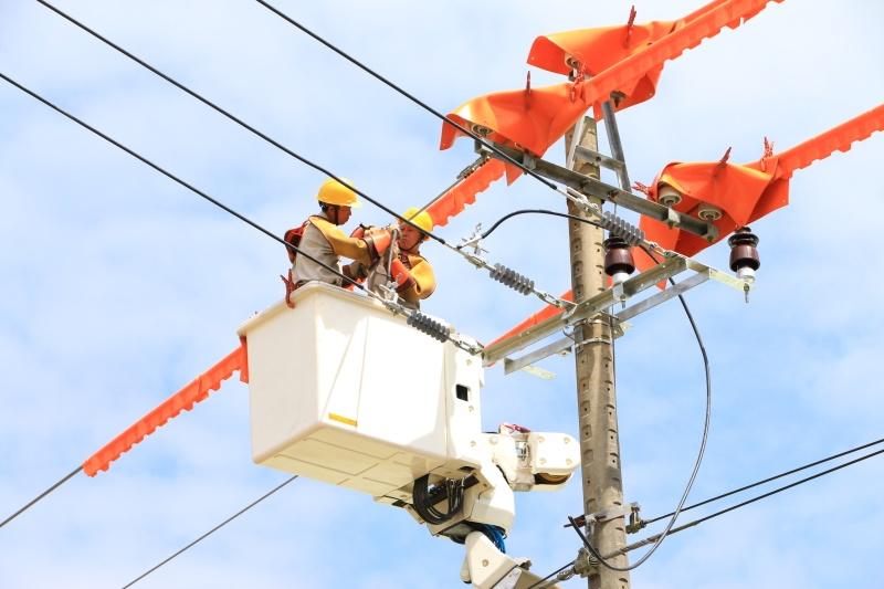 Nắng nóng đầu mùa: Nguy cơ gia tăng tiền điện