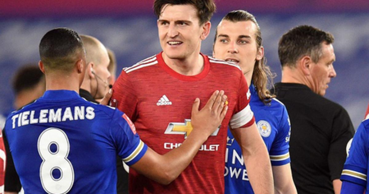 """Man Utd chưa đủ """"lớn"""", đừng mơ làm """"người khổng lồ""""!"""