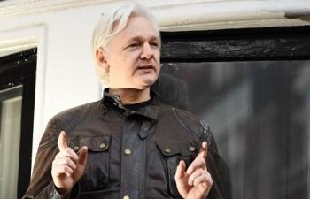 tong thong ecuador bi cao buoc tra thu ca nhan ong chu wikileaks
