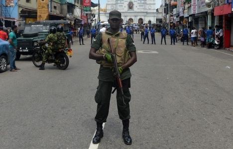Quân đội Sri Lanka đấu súng với nghi phạm khủng bố