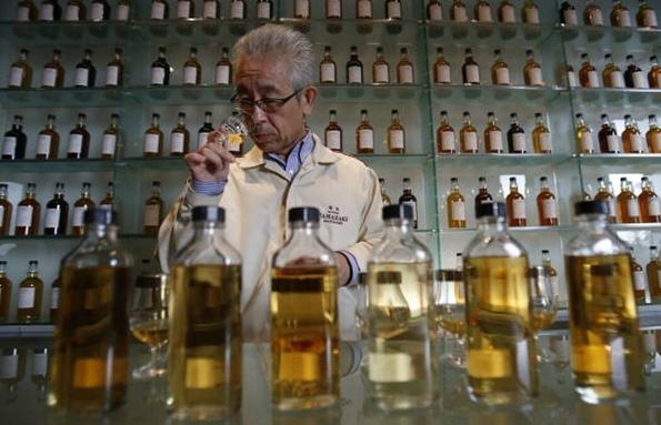 WHO khuyến cáo không dùng rượu bia ngừa Covid-19