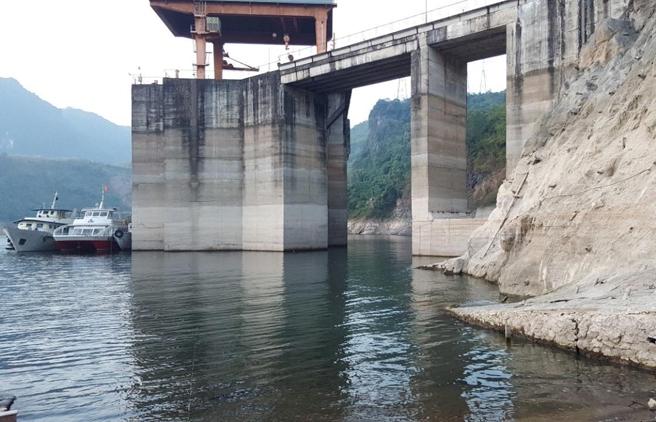 Thủy điện khô hạn, EVN phối hợp với địa phương xây dựng kế hoạch vận hành hồ chứa từng ngày