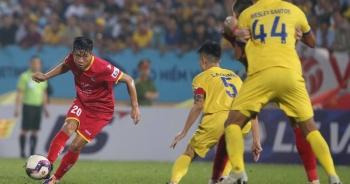 CLB Nam Định thắng nghẹt thở SL Nghệ An ở phút bù giờ