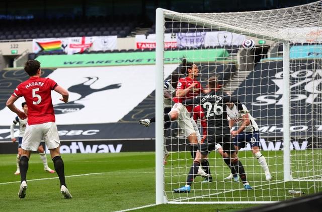 Tottenham 1-3 Man Utd: Màn lội ngược dòng phục hận tuyệt vời - 4