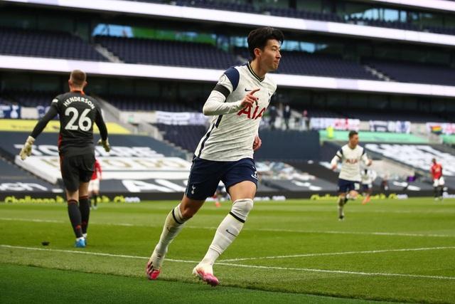 Tottenham 1-3 Man Utd: Màn lội ngược dòng phục hận tuyệt vời - 12