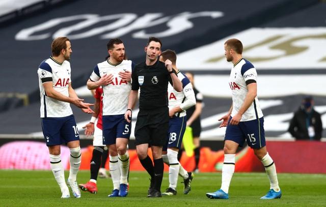 Tottenham 1-3 Man Utd: Màn lội ngược dòng phục hận tuyệt vời - 11