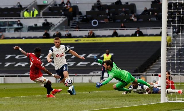 Tottenham 1-3 Man Utd: Màn lội ngược dòng phục hận tuyệt vời - 9