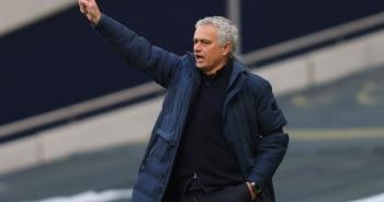 Chạm cột mốc tệ hại, HLV Mourinho đòi đuổi thẳng cổ Pogba