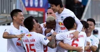 """HA Gia Lai 4-3 Nam Định: 3 quả phạt đền và những phút bù giờ """"điên rồ"""""""