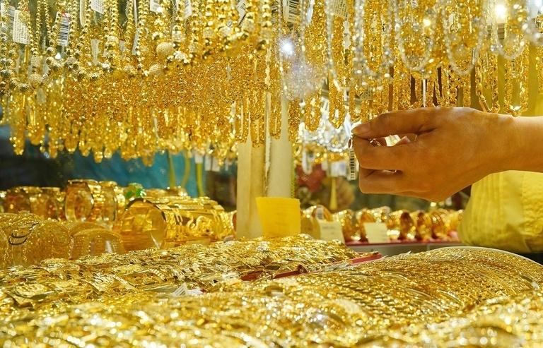 Giá vàng hôm nay 15/4: Đồng USD suy yếu, vàng cũng giảm mạnh