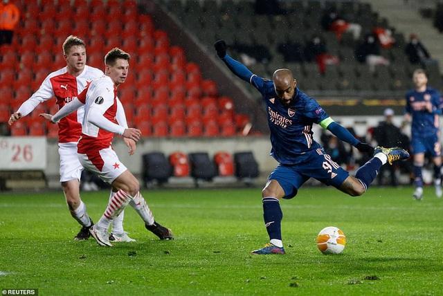 Cavani tỏa sáng đưa Man Utd tiến vào bán kết, Arsenal đại thắng tưng bừng - 4