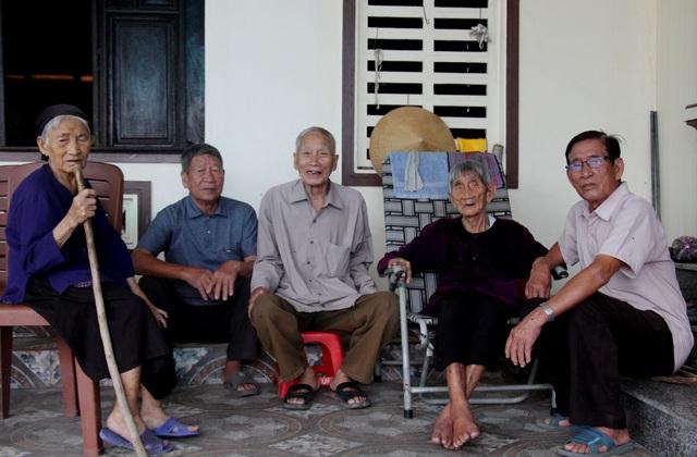 5 chị em đặc biệt ở Hà Tĩnh: Tuổi từ 85 đến 97, sống khỏe mạnh và minh mẫn - 1