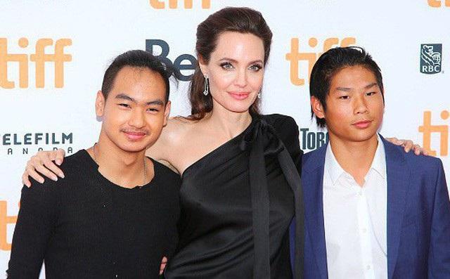 Cậu bé gốc Việt Pax Thiên sau 14 năm được ông bà Smith nhận nuôi - 10