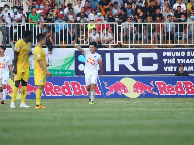 HA Gia Lai 1-0 Hà Nội: Siêu phẩm sút xa của Xuân Trường - 8