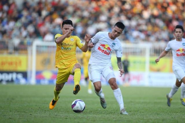 HA Gia Lai 1-0 Hà Nội: Siêu phẩm sút xa của Xuân Trường - 9