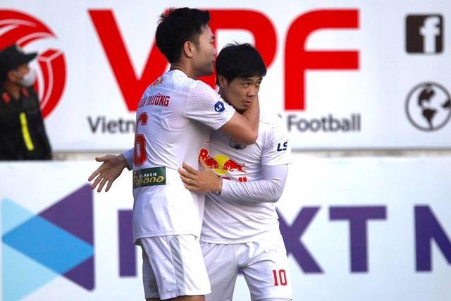 HA Gia Lai 1-0 Hà Nội: Siêu phẩm sút xa của Xuân Trường - 1