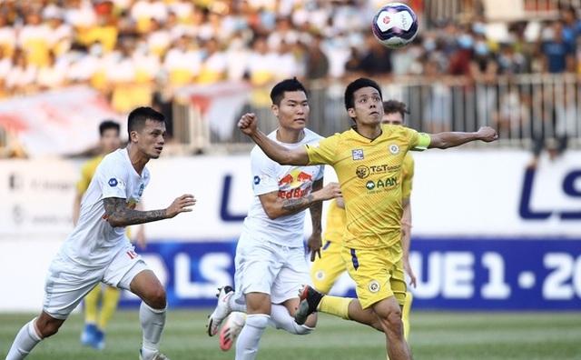 Báo Thái Lan: V-League lên cơn sốt vì HLV Kiatisuk, nhưng đáng tiền! - 3
