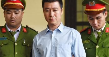 """Trùm cờ bạc Phan Sào Nam lập công """"khống"""", giấu triệu đô ở Singapore"""