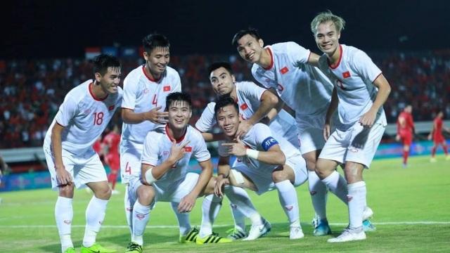 7 cầu thủ của Kiatisuk lên đội tuyển Việt Nam, báo Thái Lan lo lắng - 2