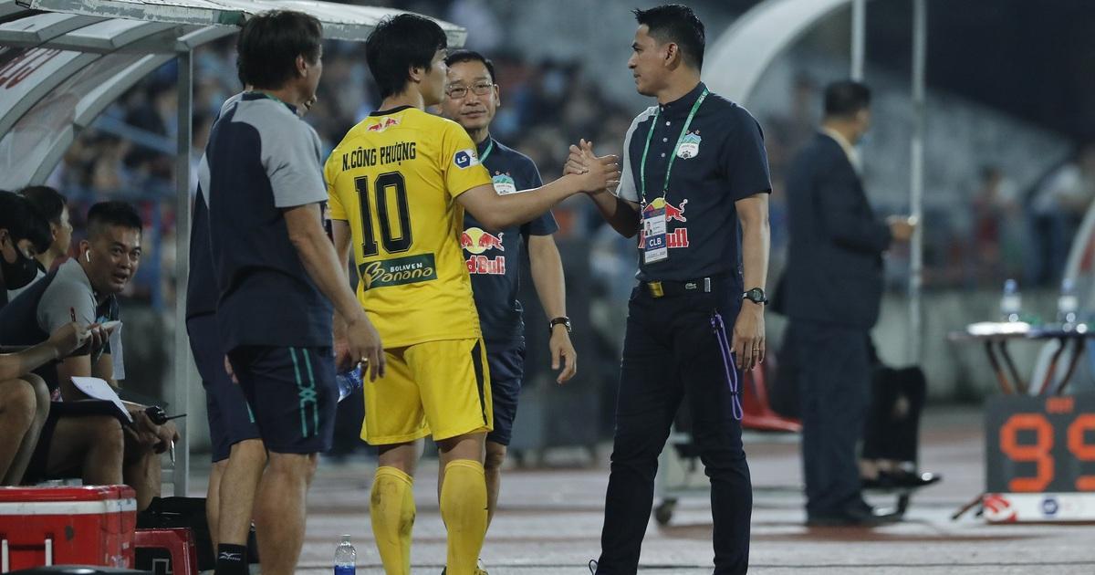 7 cầu thủ của Kiatisuk lên đội tuyển Việt Nam, báo Thái Lan lo lắng