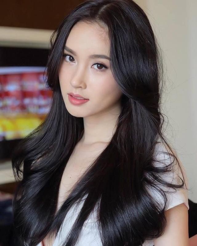 Vẻ gợi cảm khó cưỡng của mỹ nhân chuyển giới đẹp nhất Thái Lan - 14