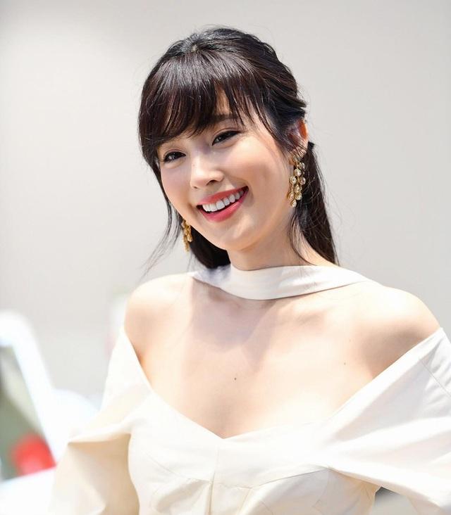 Vẻ gợi cảm khó cưỡng của mỹ nhân chuyển giới đẹp nhất Thái Lan - 23
