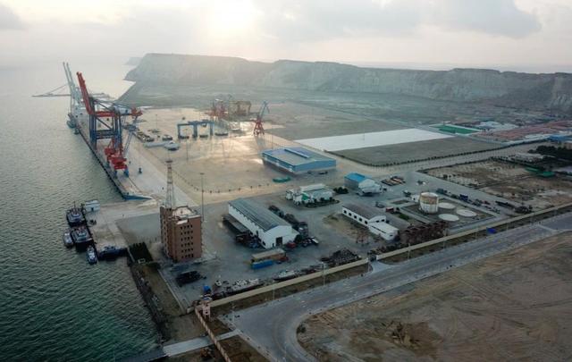 Các dự án Vành đai và Con đường của Trung Quốc đối mặt với rủi ro mới - 1