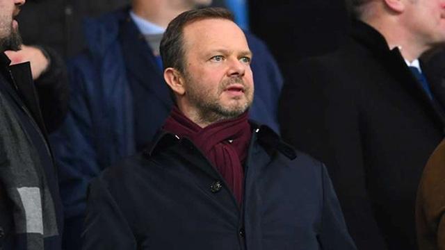 Ông chủ Man Utd có động thái gây sốc, cổ động viên nổi điên - 2