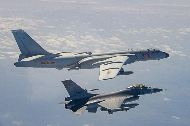 Ý đồ của Trung Quốc khi liên tục điều máy bay áp sát Đài Loan