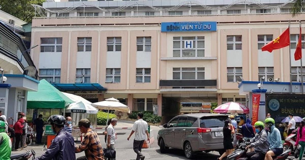 Hai người nhập cảnh trái phép, Bệnh viện Từ Dũ xét nghiệm 40 nhân viên y tế
