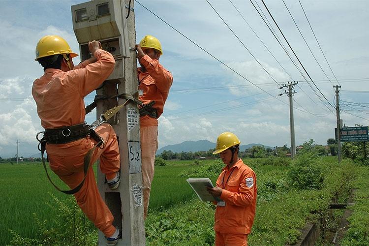 evnnpc san luong dien thuong pham thang 42017 tang 1456