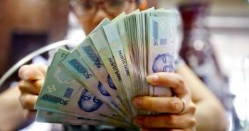 """Nhân viên ngân hàng nào thu nhập """"khủng"""" nhất Việt Nam?"""