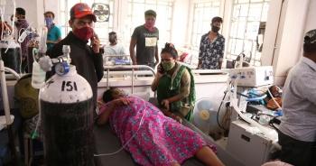 """Bệnh """"nấm đen"""" nguy hiểm chết người đe dọa người mắc Covid-19 ở Ấn Độ"""