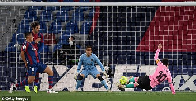 Messi ghi bàn, Barcelona vẫn hòa thất vọng và cơ hội vô địch mong manh - 1
