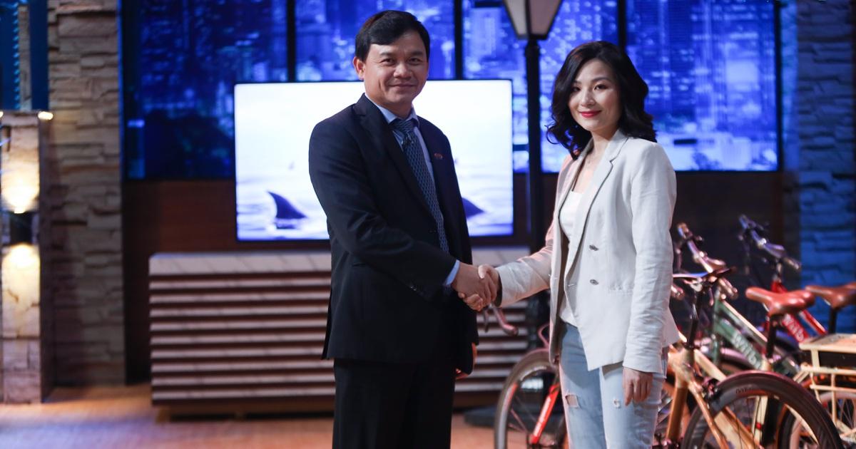 Kiểu đầu tư lạ lùng của Shark Phú: Rót vốn vì CEO xinh, không do sản phẩm?