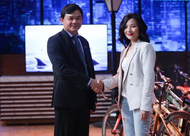 Kiểu đầu tư lạ lùng của Shark Phú: Rót vốn vì CEO xinh, không do sản phẩm? - 2