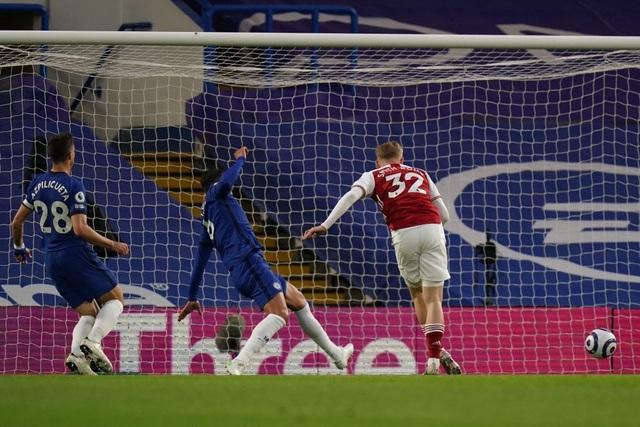 Chelsea 0-1 Arsenal: Silva, Kepa tấu hài, The Blues ôm trái đắng - 2